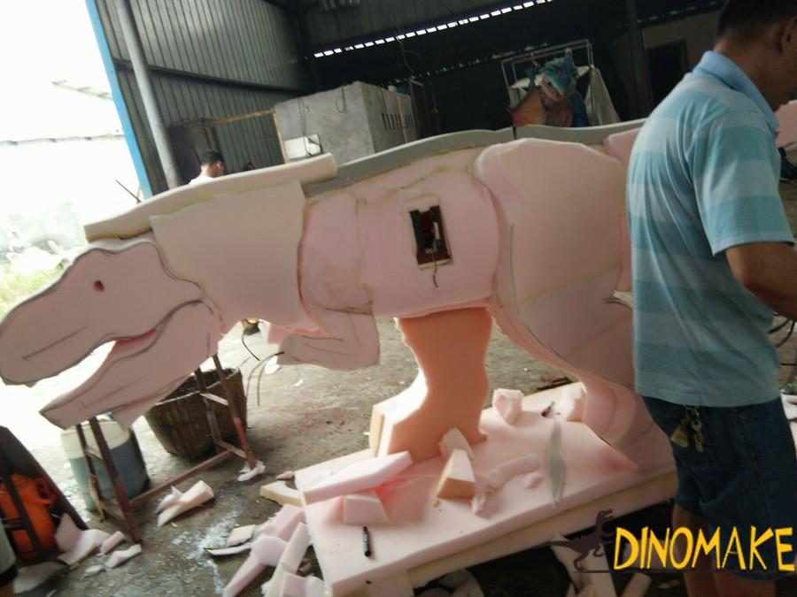 Animatronic walking dinosaur ride of sale