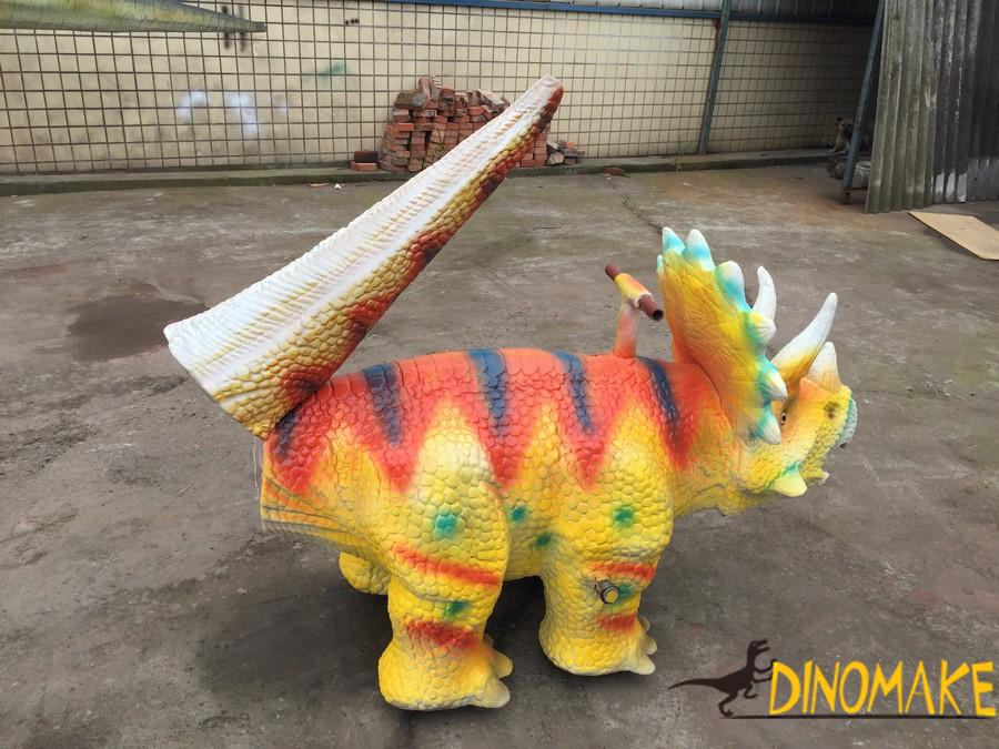 Dinosaur model toy cars of Triceratops
