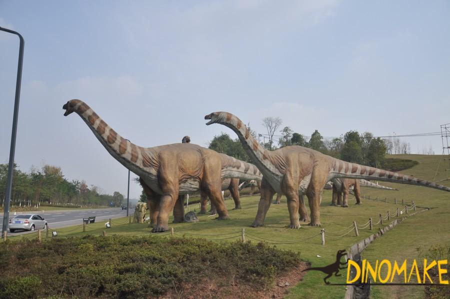 Factory loading and transporting dozens of Animatronic dinosaurs model