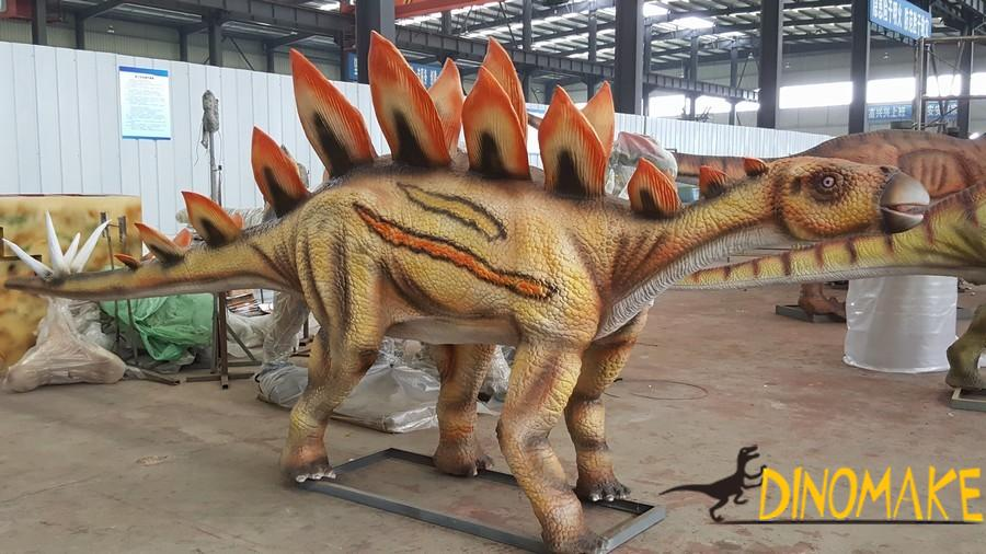 For dinosaur exhibition live-action Animatronic dinosaur