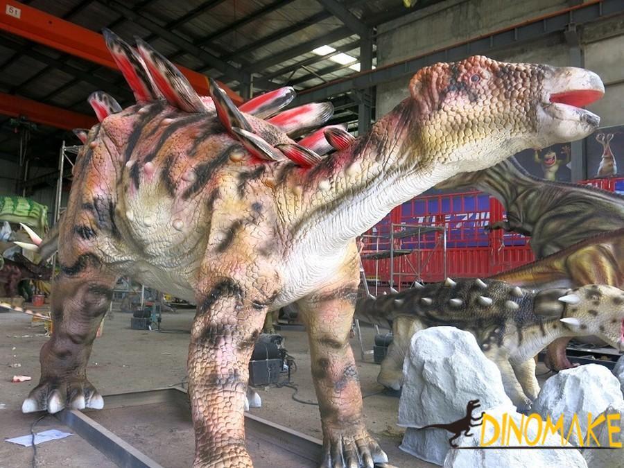 For dinosaur exhibition live-action Animatronic dinosaurs