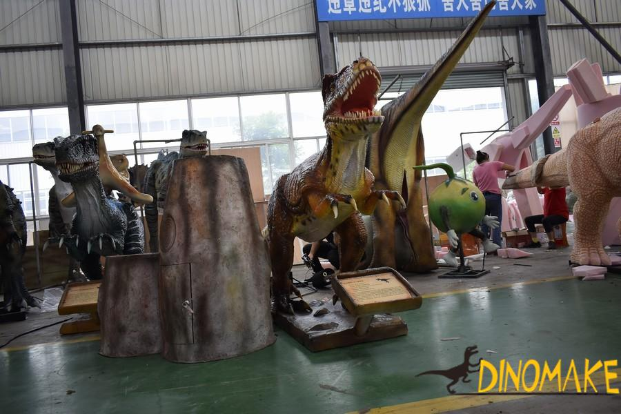 Jurassic World Park Animatronic Dinosaur of T-Rex