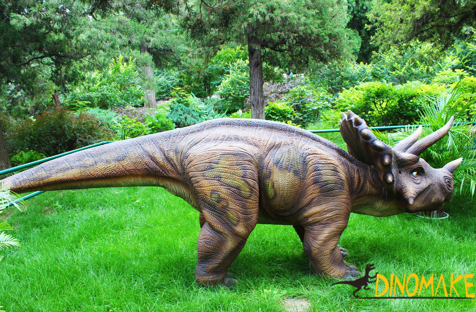 Large-scale Animatronic dinosaur triceratops made by our factory