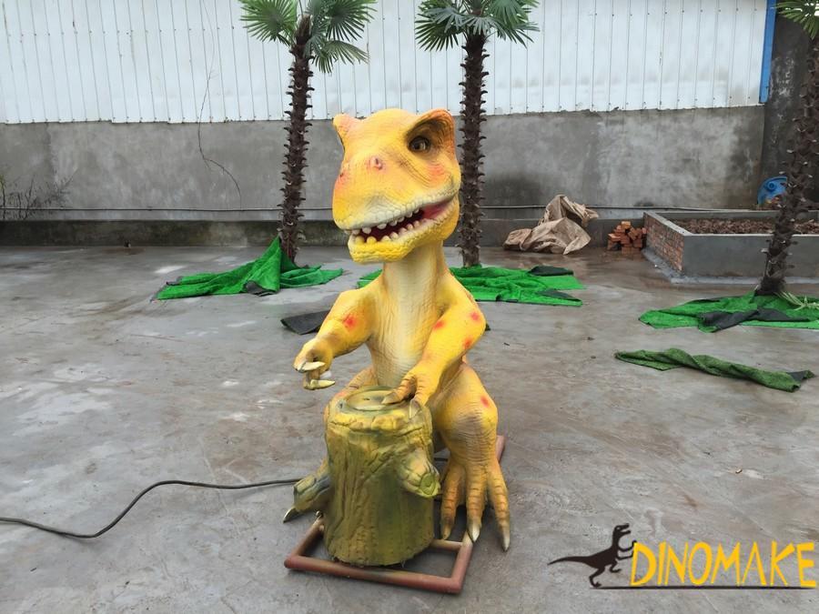 Large-scale prehistoric Animatronic dinosaur