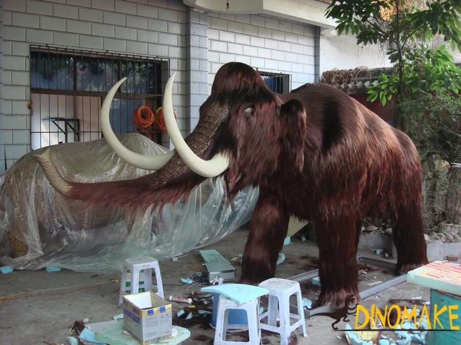 Prehistoric biological Animatronic animal