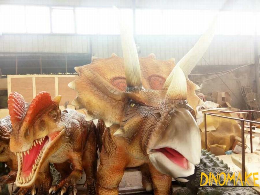 Real movie dinosaur props artificial walking Animatronic Dinosaur triceratops