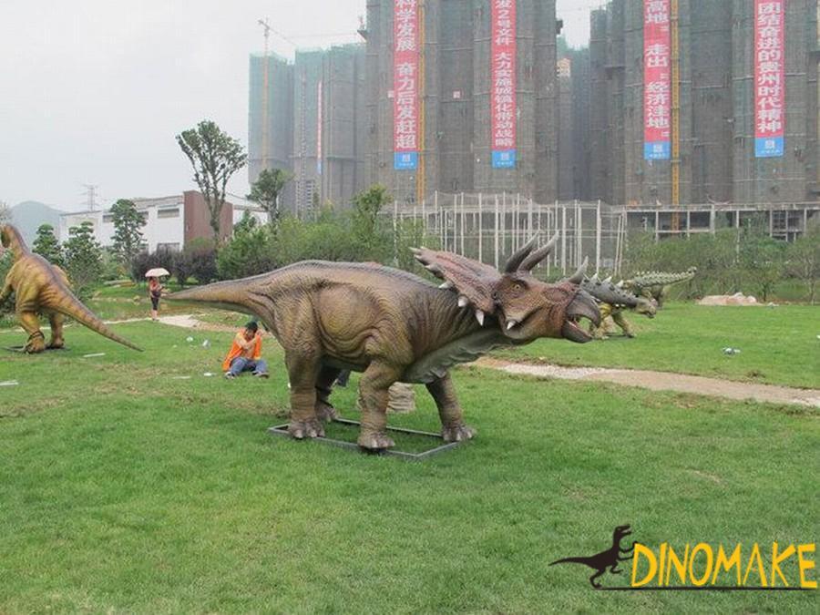 Real walking Animatronic Dinosaur triceratops