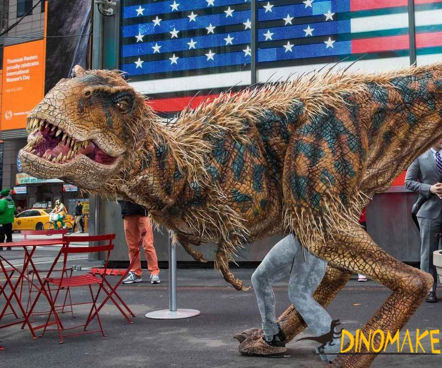 Realistic Animatronic dinosaur costumes walk on the bustling streets