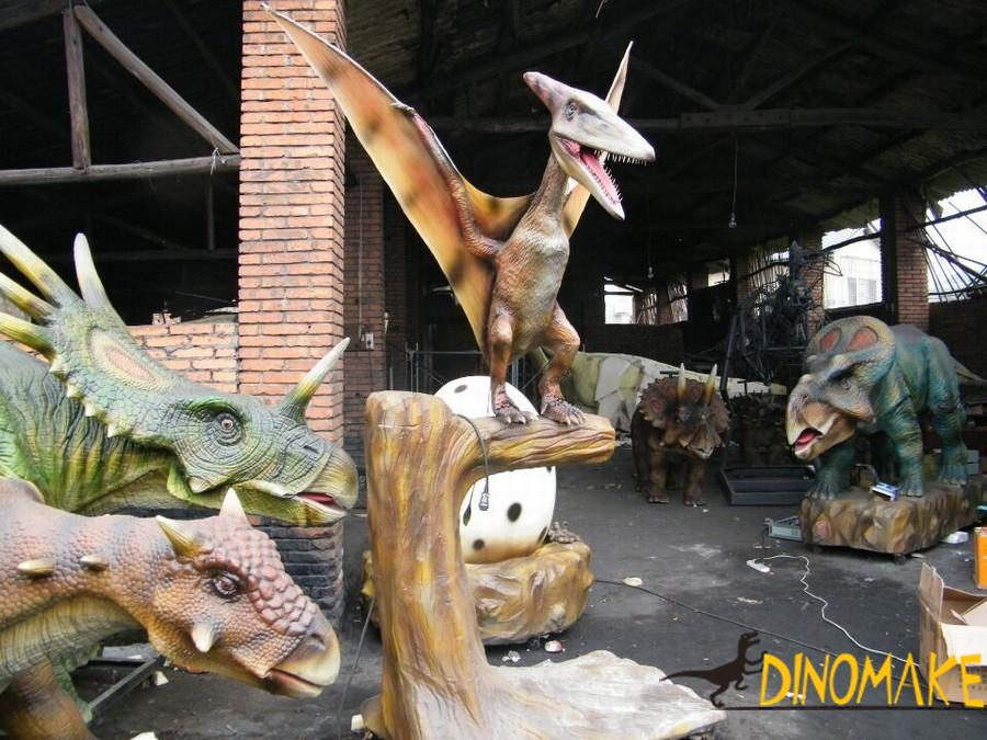 Theme park high Animatronic dinosaur pterodactyl
