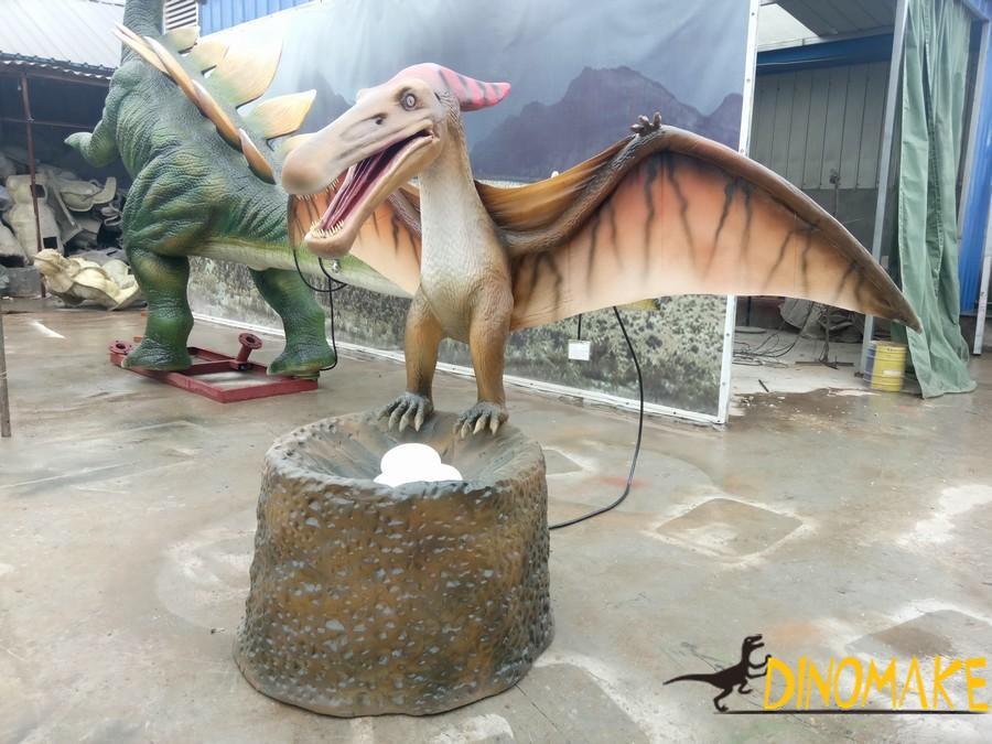 artificial Animatronic dinosaur pterosaur model