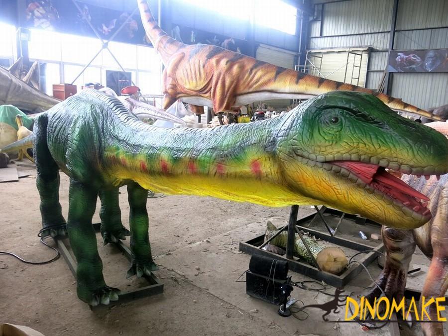 life-size Animatronic dinosaur model
