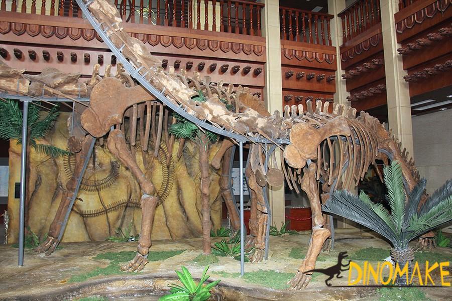 life-size Animatronic dinosaur