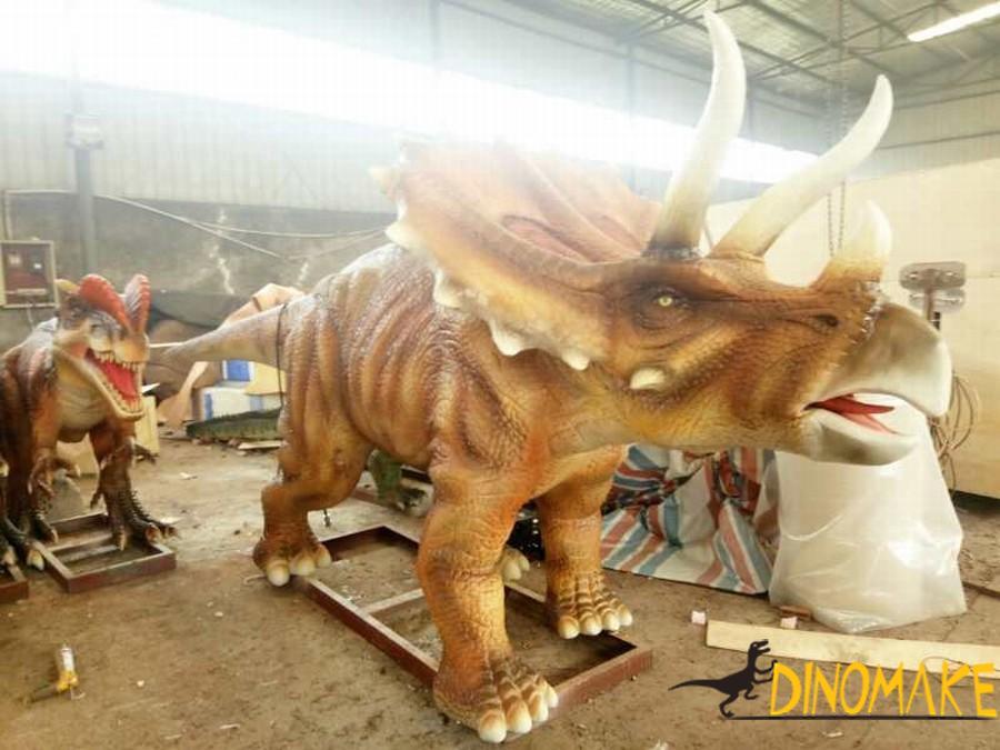 walking Animatronic Dinosaur triceratops