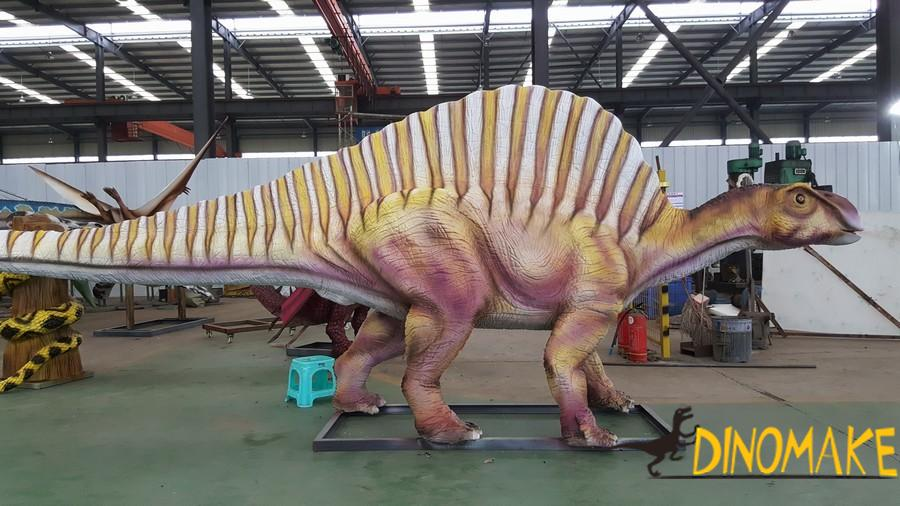 Animatronic dinosaur exhibition in Martyrs Park