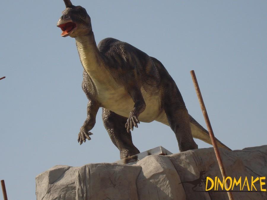 Animatronic dinosaur exhibition case picture