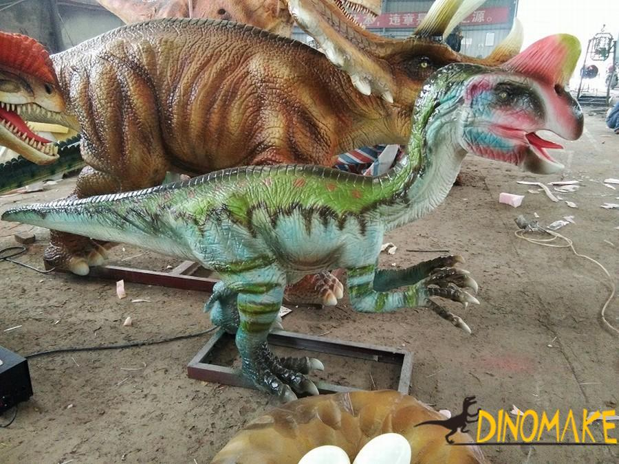 Big guy in animatronic dinosaurs-Thunder Dragon