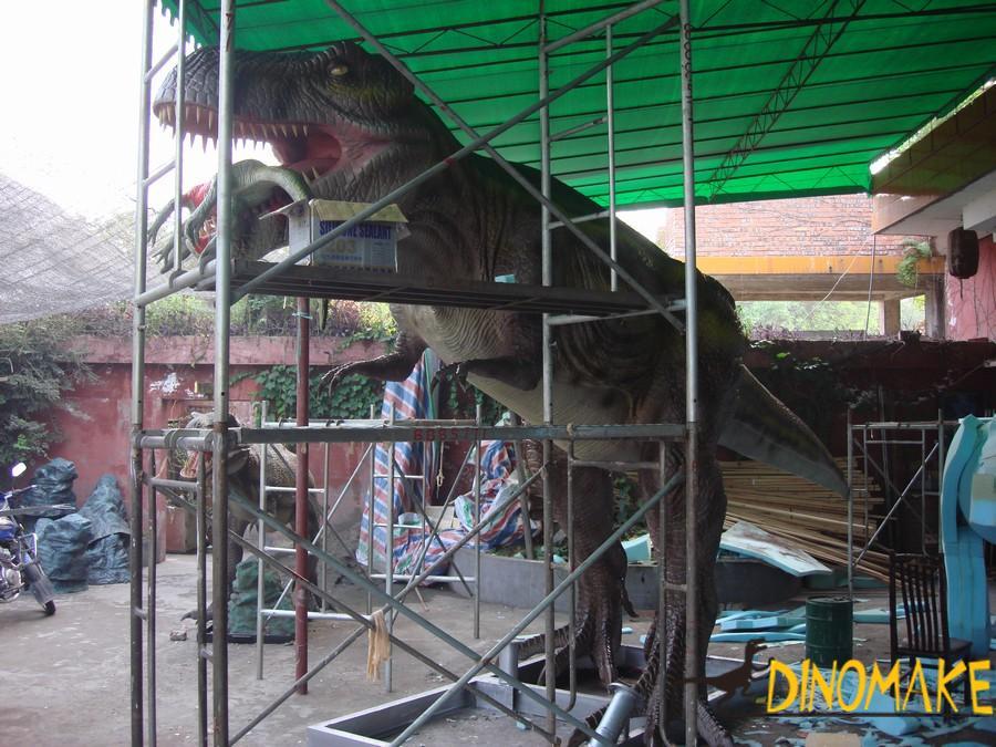 Dinosaur factory a group of Animatronic dinosaurs