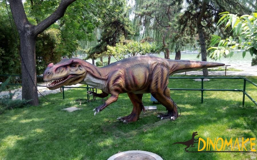 Features of animatronic dinosaur models