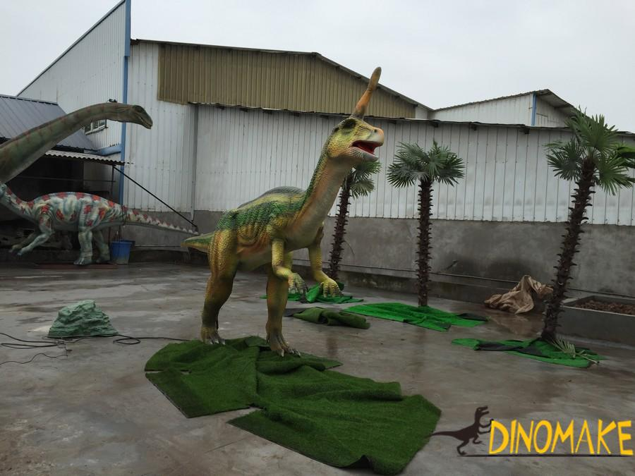 How should we choose a animatronic dinosaur
