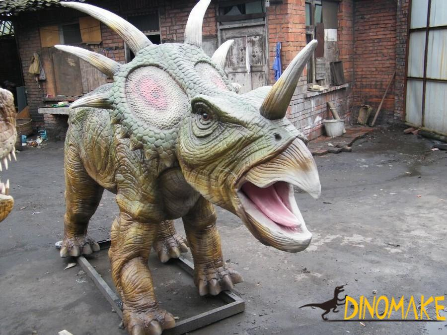 How to use animatronic dinosaurs product
