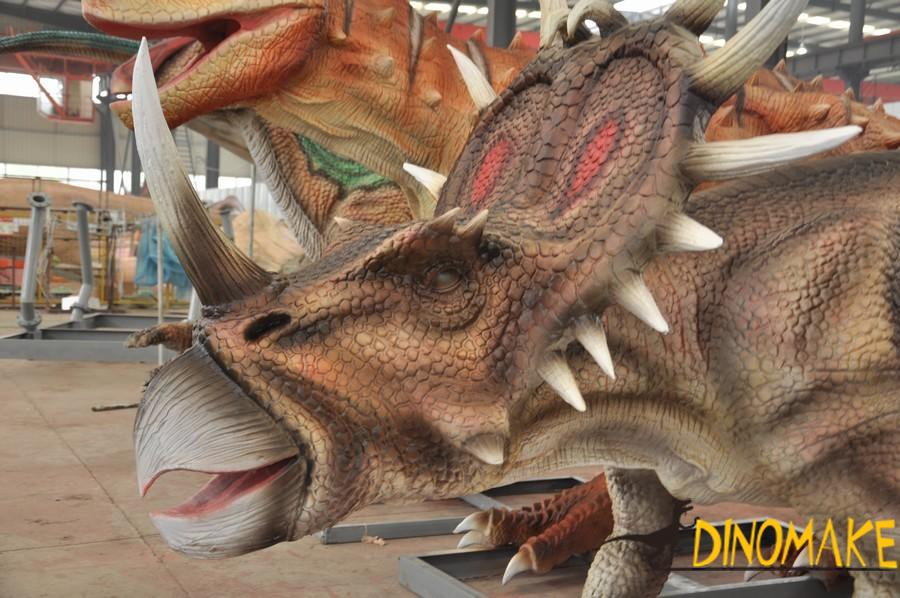 How to use animatronic dinosaurs