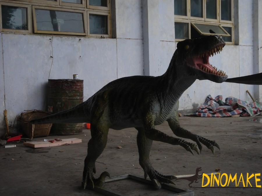 Jurassic tyrannosaurus Animatronic dinosaur and meandering dragon