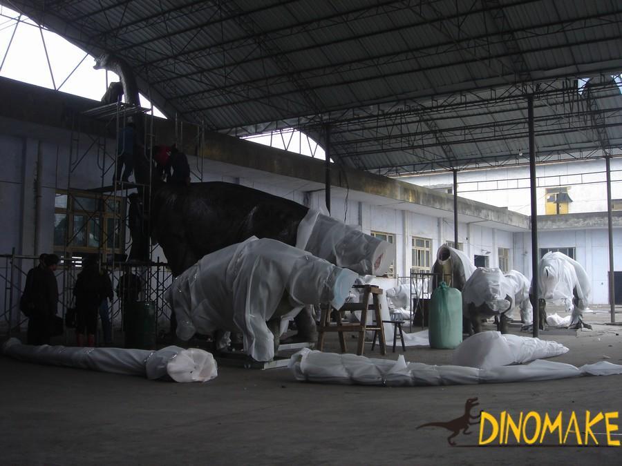 Jurassic tyrannosaurus Animatronic dinosaurs and meandering dragon