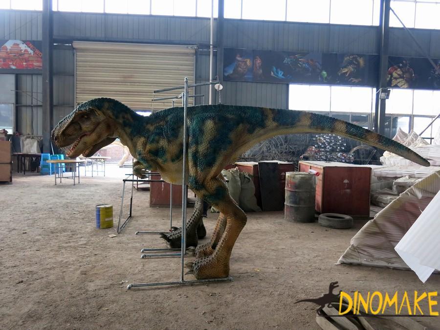 People wear Animatronic dinosaurs costume manufacturer
