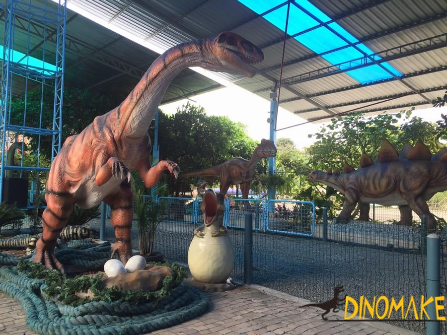 Show you different Animatronic dinosaur