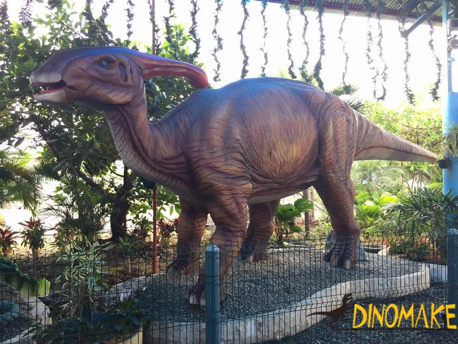 Show you different Animatronic dinosaurs
