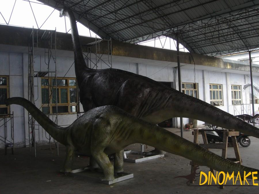 T-rex Animatronic dinosaur and meandering dragon