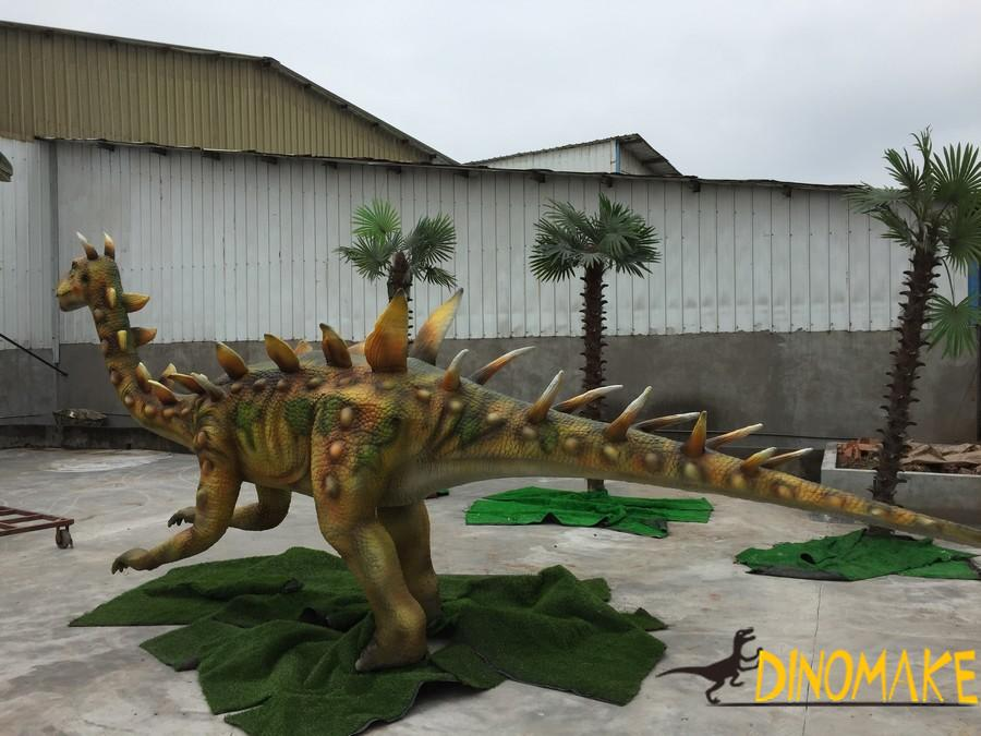 The Animatronic dinosaur Product like a tank is Dragons