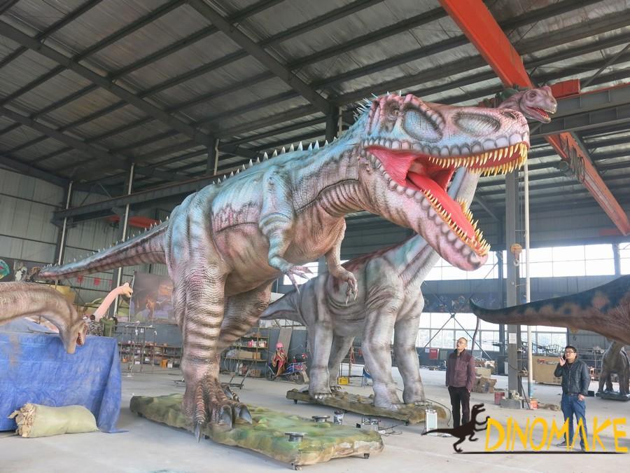 The Large Animatronic dinosaur models