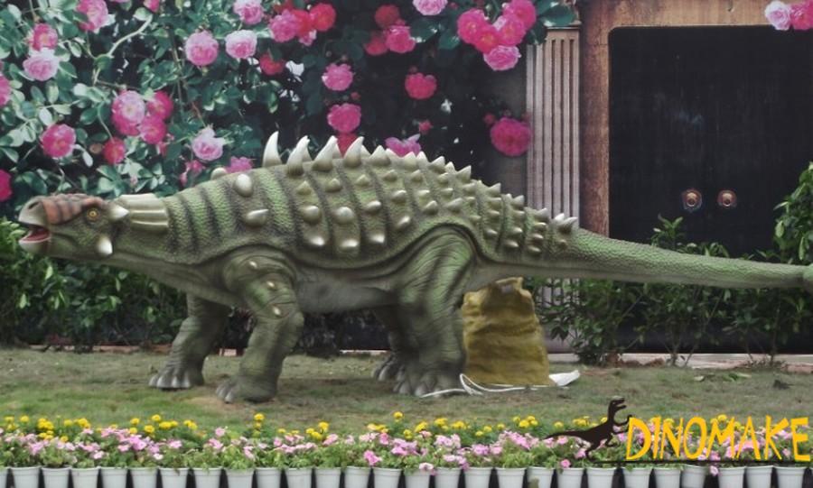 What are the Animatronic dinosaur design companies