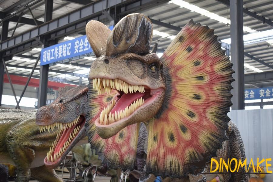 What materials are used to make animatronic dinosaur models