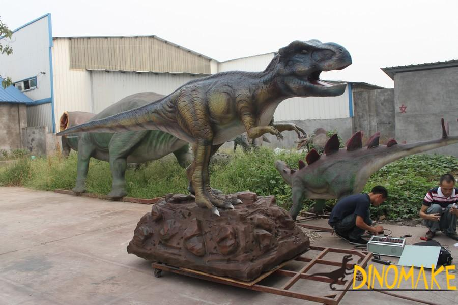 animatronic dinosaur production