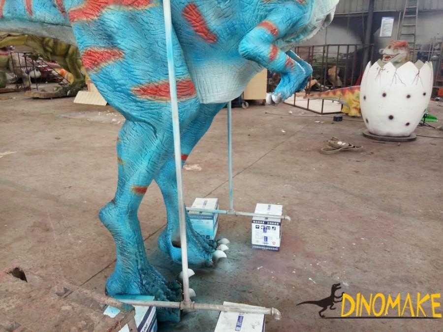 Animatronic Dinosaur Costume Sent To Italy