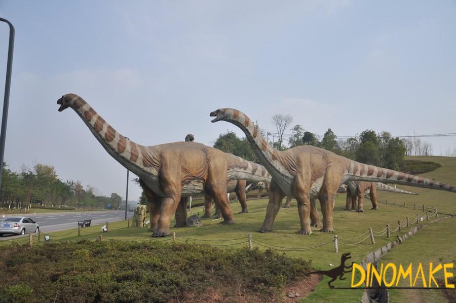 Carnivorous dinosaurs start stealing animatronic dinosaur rental
