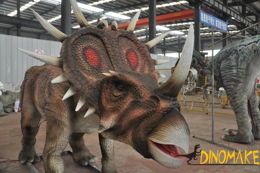 Styracosaurus like a dinosaur Triceratops