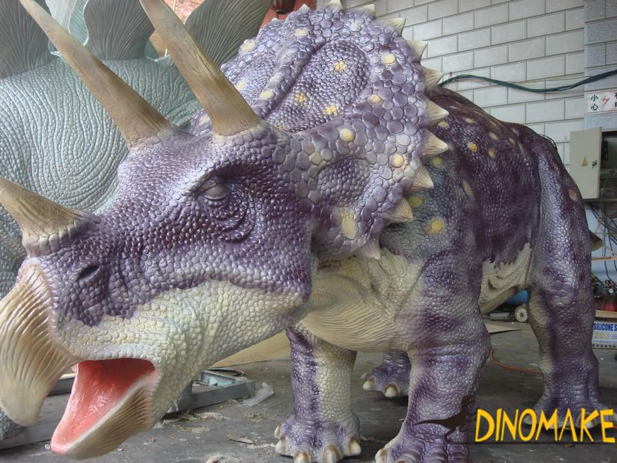 The world's best about animatronic dinosaur