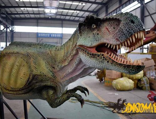 Animatronic animals and dinosaur props